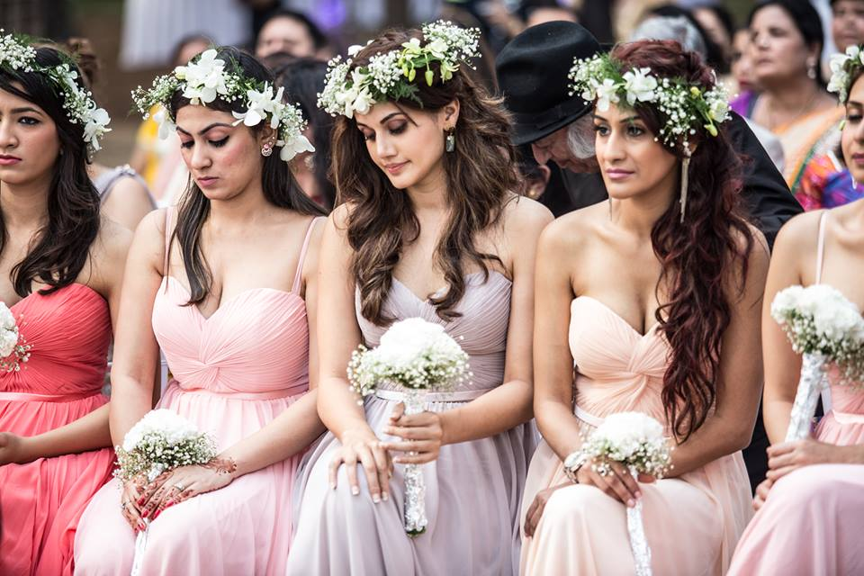 Pretty bridesmaid with white flowers! by The Wedding Fotografos Wedding-photography | Weddings Photos & Ideas
