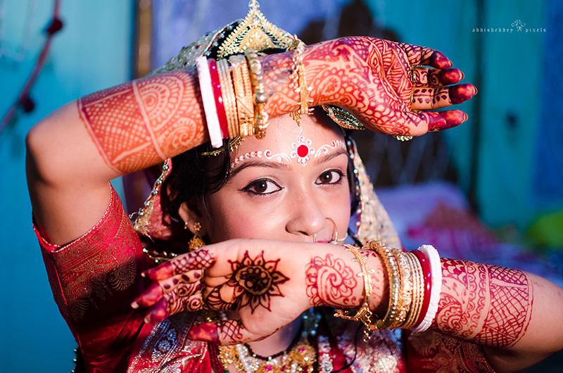 Posing out my mehendi by abhishekdey pixels Wedding-photography | Weddings Photos & Ideas