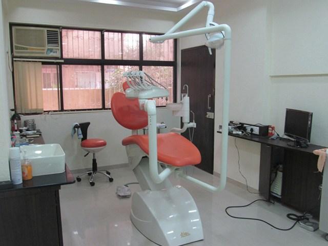 Simple dental clinic decor by Shrishti Modern | Interior Design Photos & Ideas