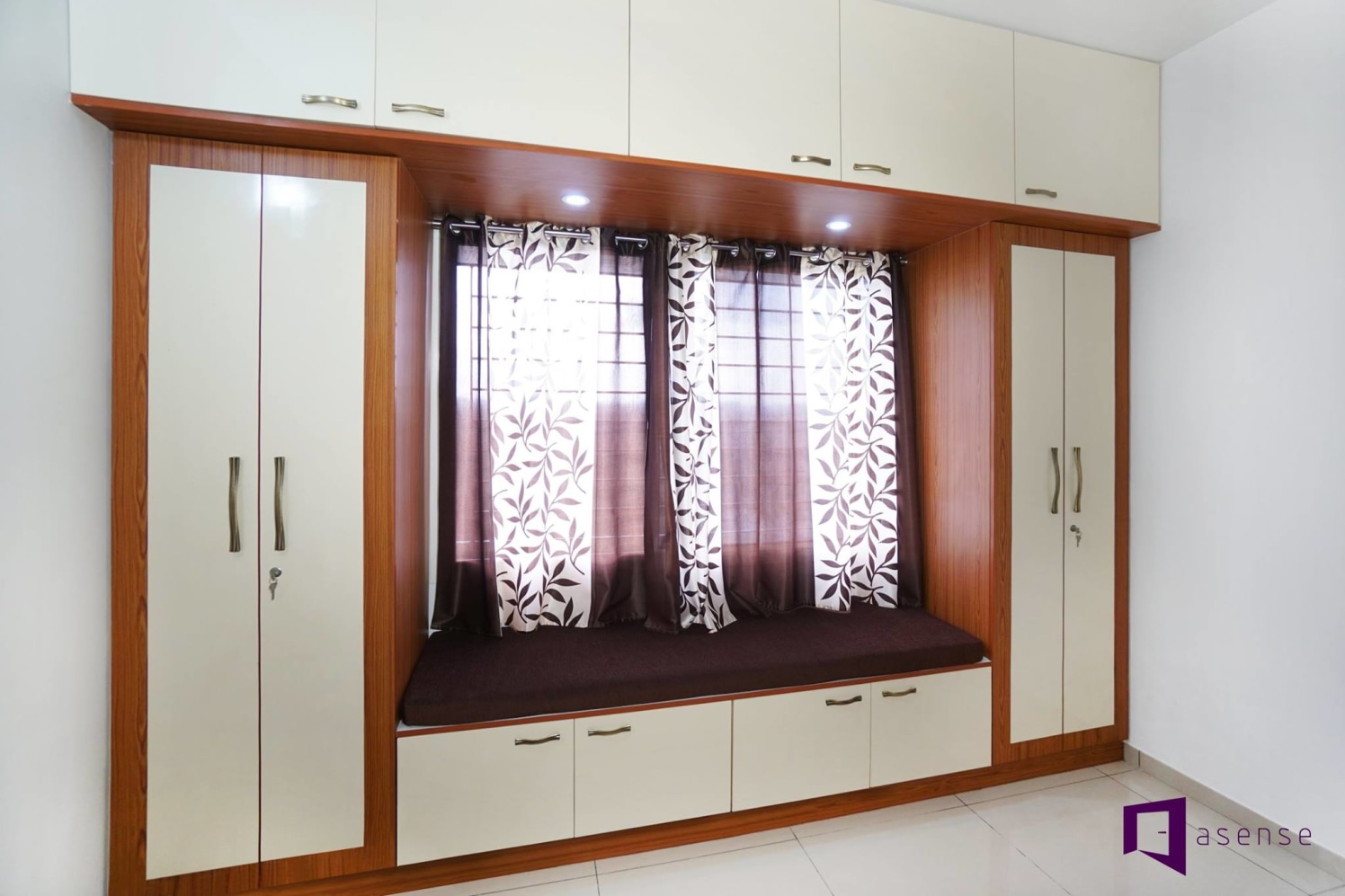 Brown And White Themed Fitted  Wardrobe by Snigdha Ghosh Bedroom Contemporary | Interior Design Photos & Ideas