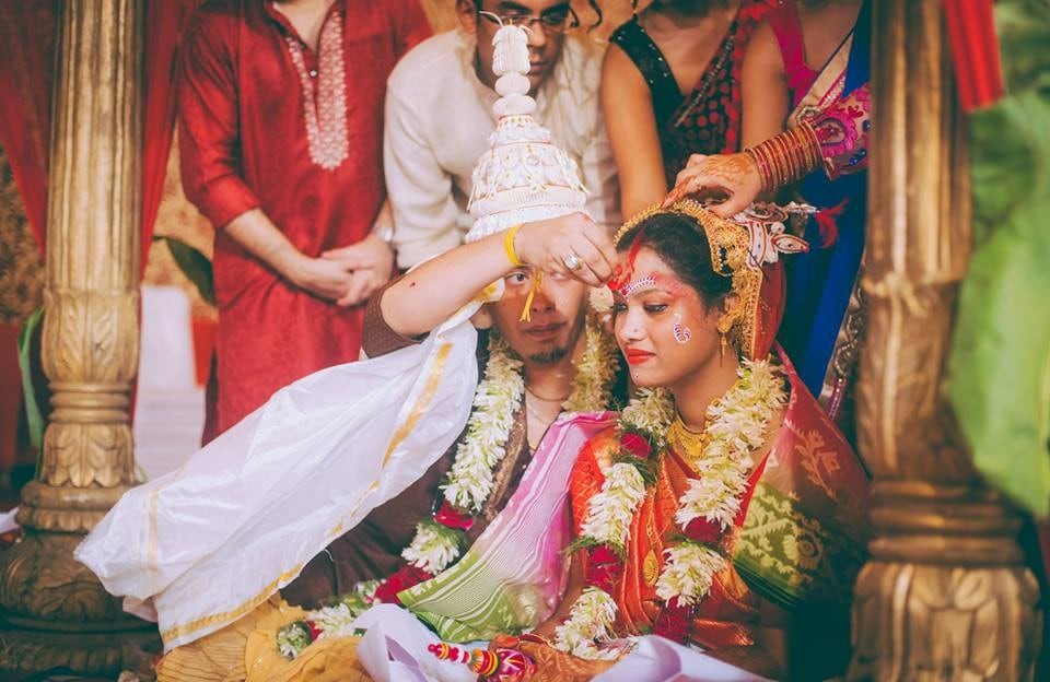 The act of fulfillment! by Kuntal Mukherjee Photography Wedding-photography | Weddings Photos & Ideas