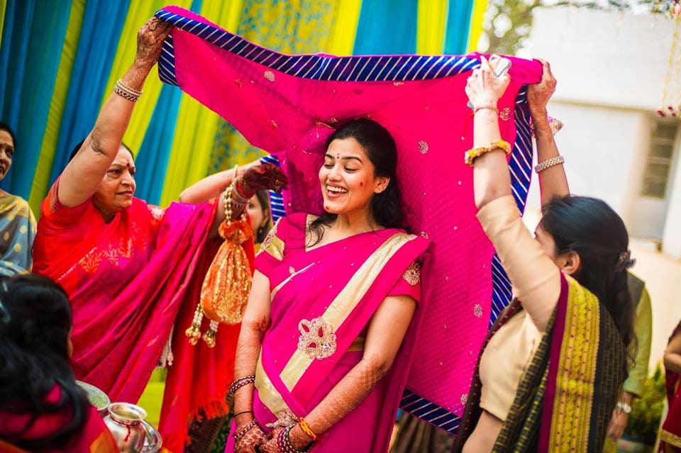 Following the traditions! by Kuntal Mukherjee Photography Wedding-photography | Weddings Photos & Ideas