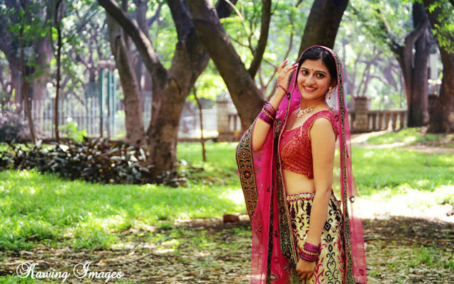 Pretty pink lehenga for pre-wedding photoshoot by Karving Images Wedding-photography | Weddings Photos & Ideas