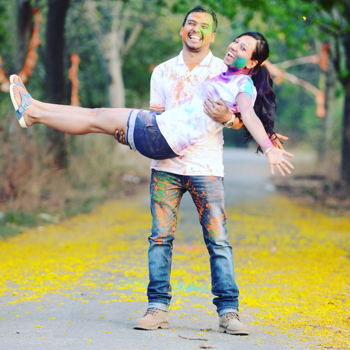Bride and Groom To-Be Having Fun With Colors by Priyanka Wedding-photography | Weddings Photos & Ideas