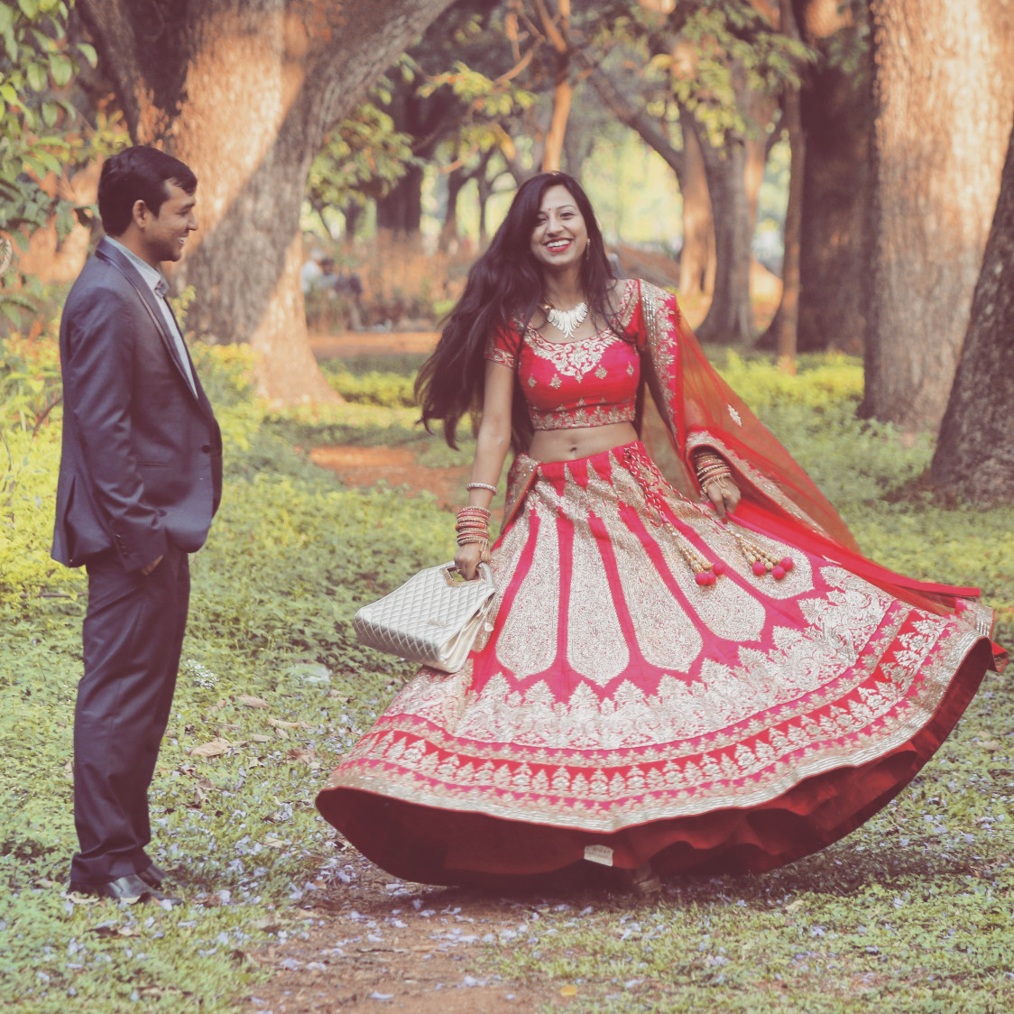 Twirling bride pose for pre-wedding photoshoot by Karving Images Wedding-photography | Weddings Photos & Ideas