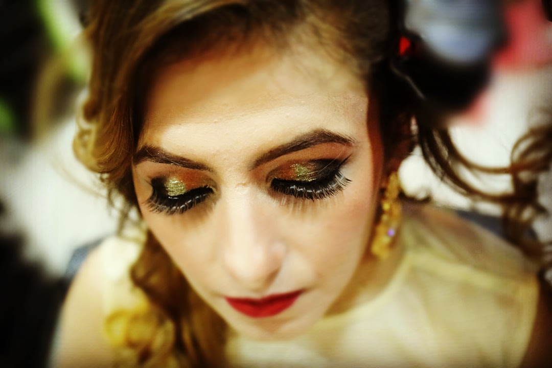 Glittering Gold Eye Makeup by Priyanka Bridal-makeup | Weddings Photos & Ideas