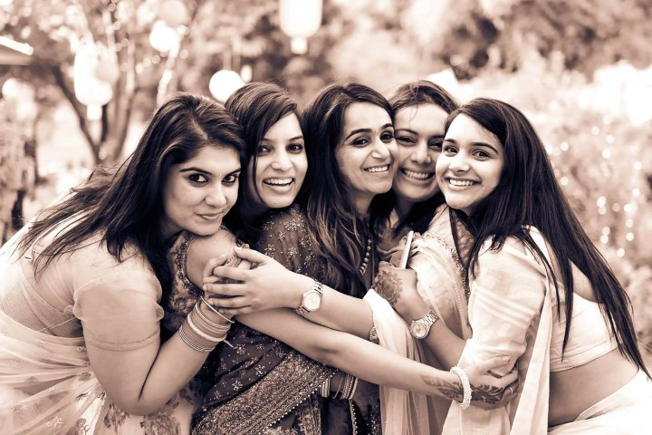 Classic Bride and Friends of the Bride Shot by Himanshu Chauhan Wedding-photography | Weddings Photos & Ideas