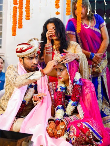 Beautiful moment from the wedding ceremony by Himanshu's Lomography Wedding-photography | Weddings Photos & Ideas