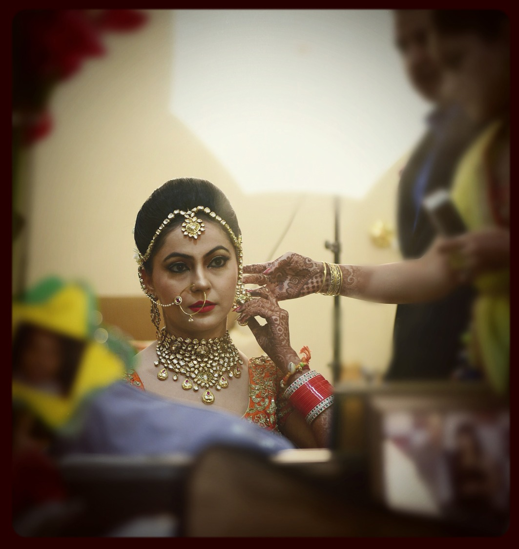 Beautiful bridal getting ready shot by Himanshu's Lomography Wedding-photography | Weddings Photos & Ideas