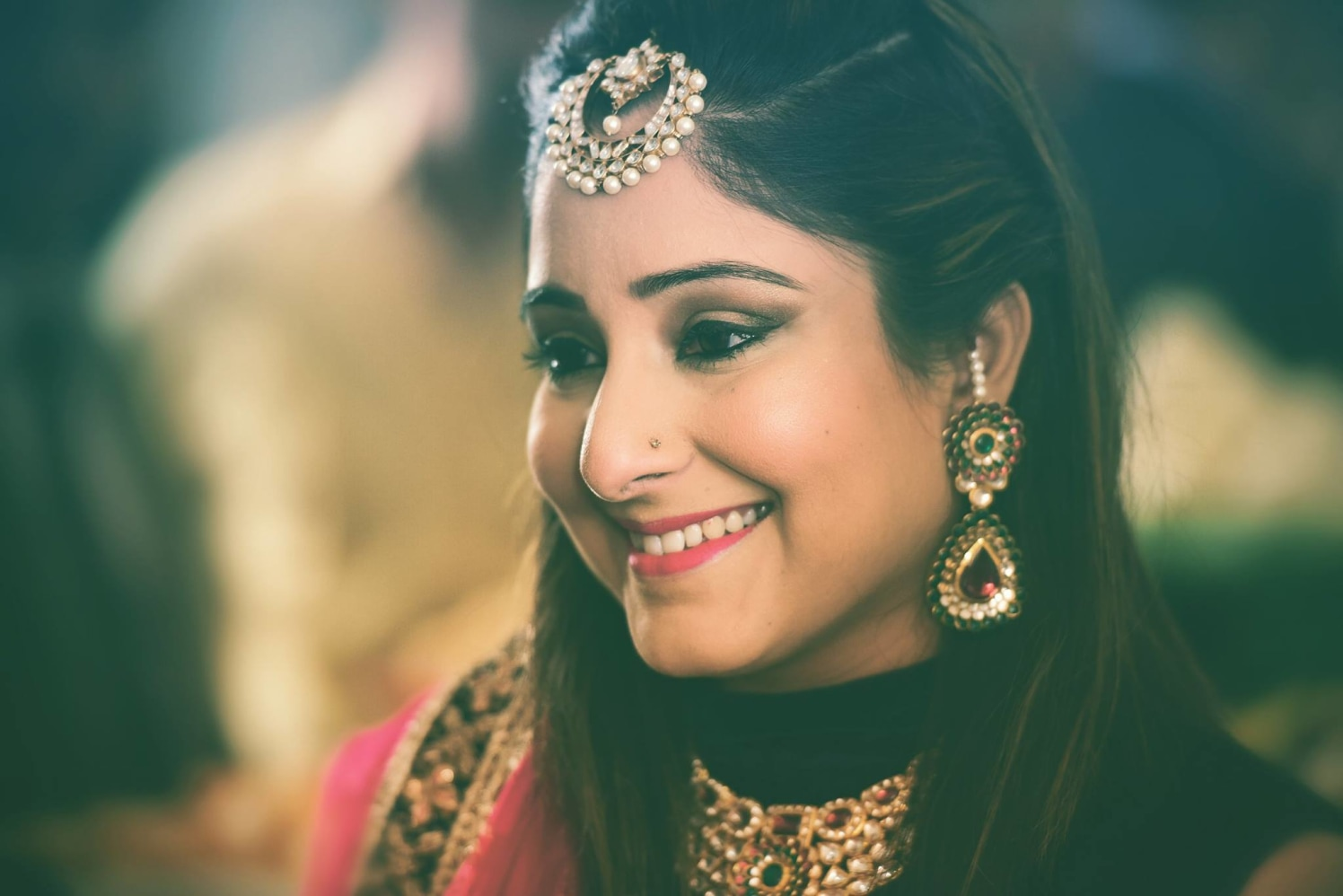 Resplendent friend of the bride look by Himanshu's Lomography Wedding-photography | Weddings Photos & Ideas