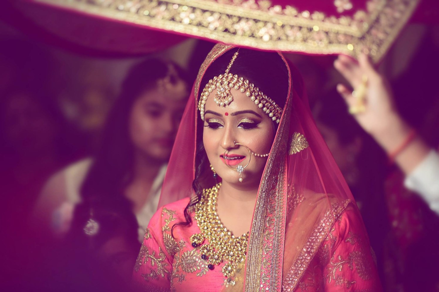 Gorgeous bridal makeup and jewelry by Himanshu's Lomography Wedding-photography | Weddings Photos & Ideas