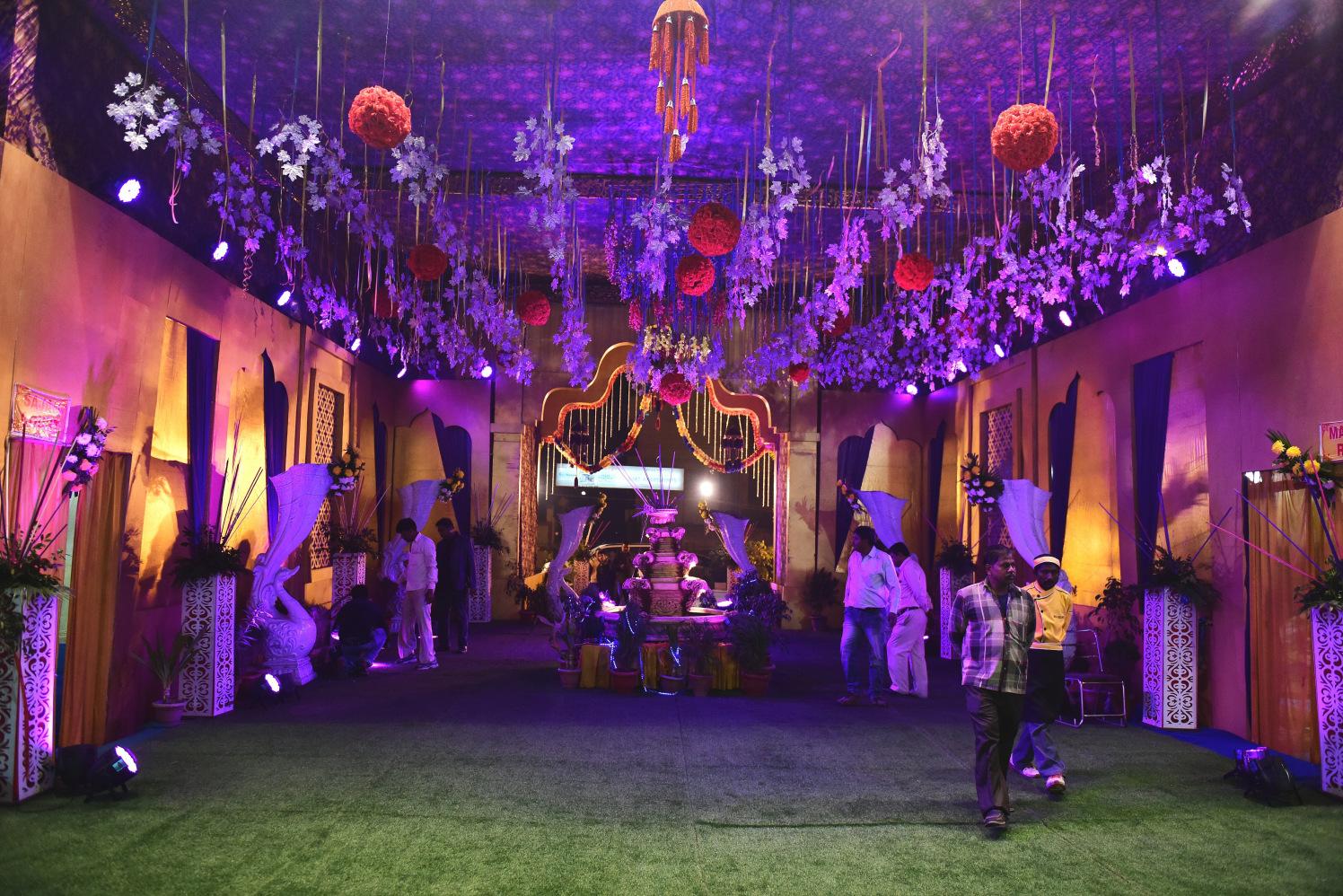 Magnificent Wedding Venue Decor by Himanshu Chauhan Wedding-decor   Weddings Photos & Ideas