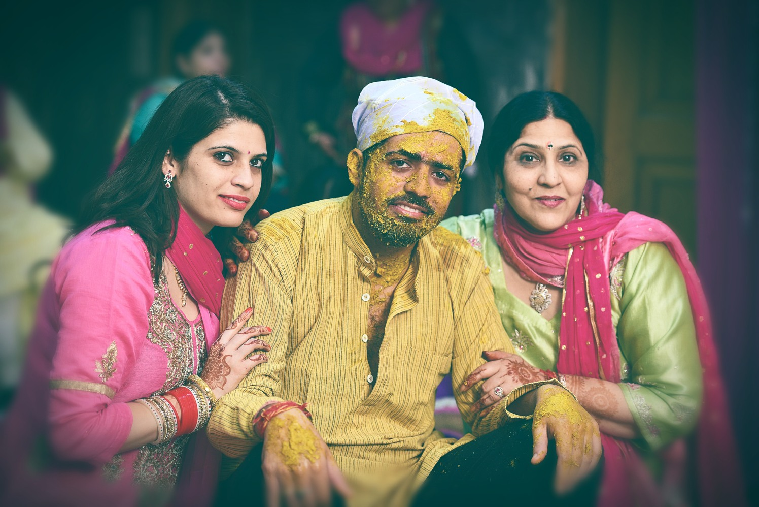 Groom Poses With Wedding Guests During His Haldi by Himanshu Chauhan Wedding-photography | Weddings Photos & Ideas