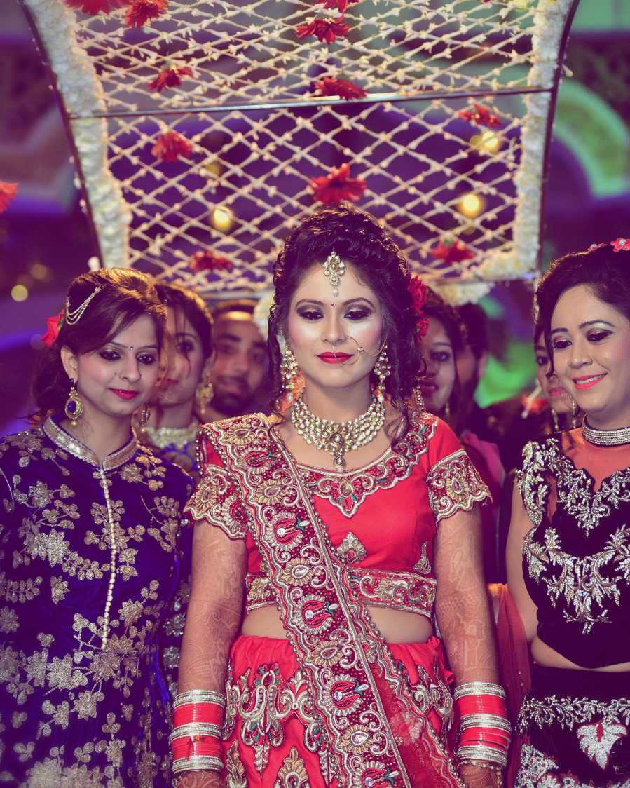 Graceful entry of the bride by Himanshu's Lomography Wedding-photography | Weddings Photos & Ideas