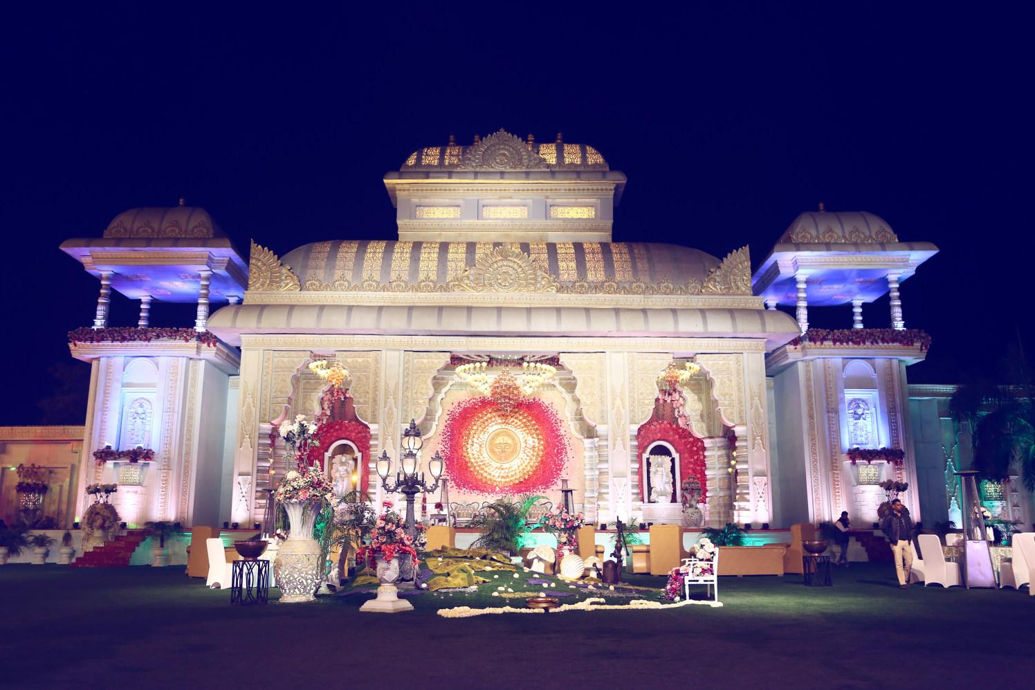 Stunning wedding venue decor by Himanshu's Lomography Wedding-photography | Weddings Photos & Ideas