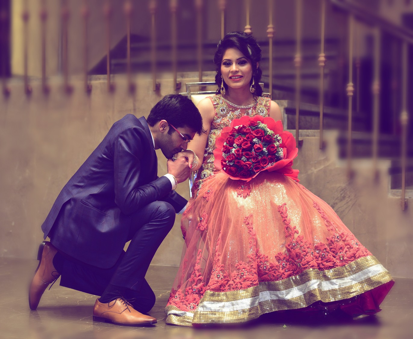 Stunning reception day pose for bride and groom by Himanshu's Lomography Wedding-photography | Weddings Photos & Ideas