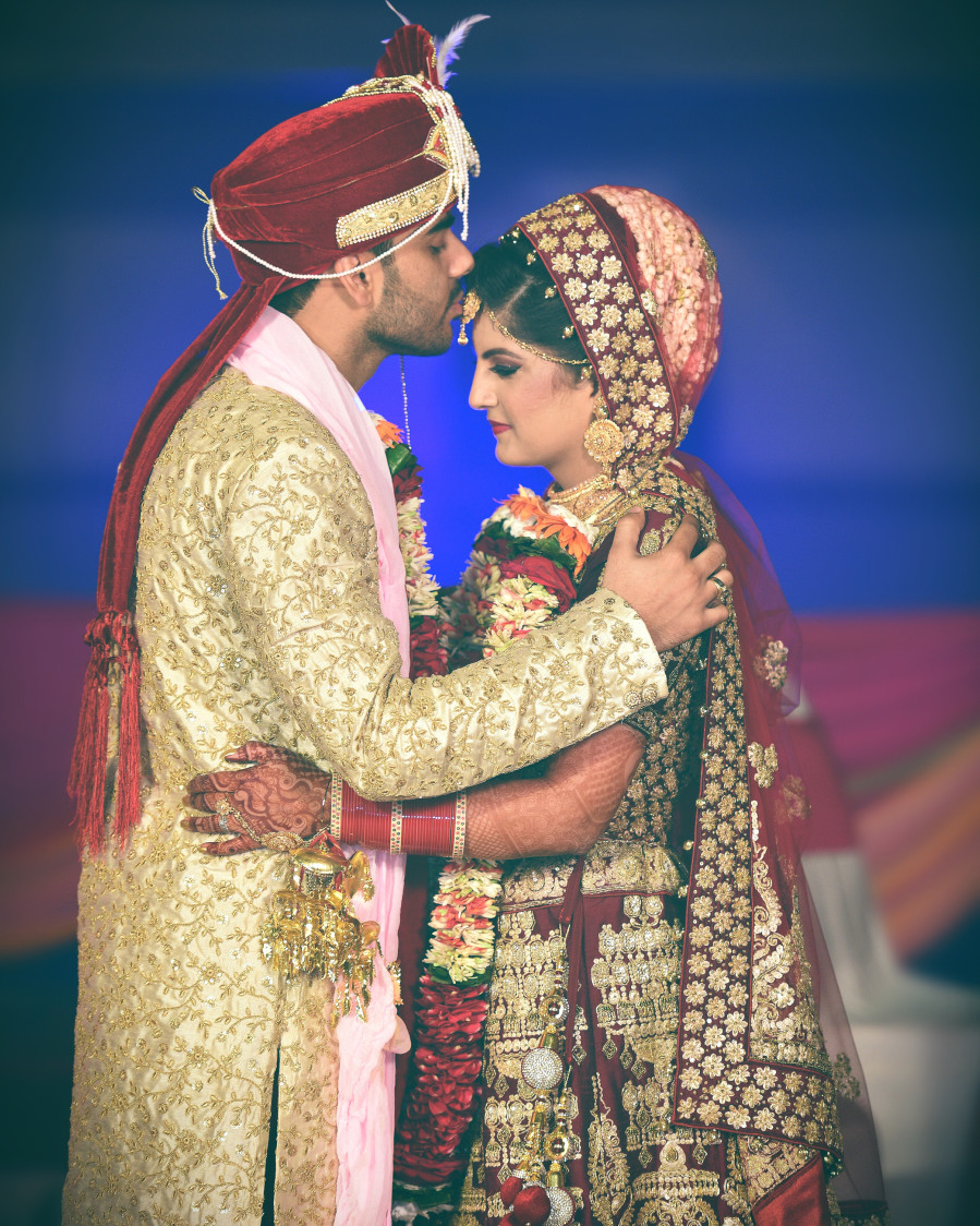 Bride and Groom Wearing Regal Traditional Attire by Himanshu Chauhan Wedding-photography | Weddings Photos & Ideas