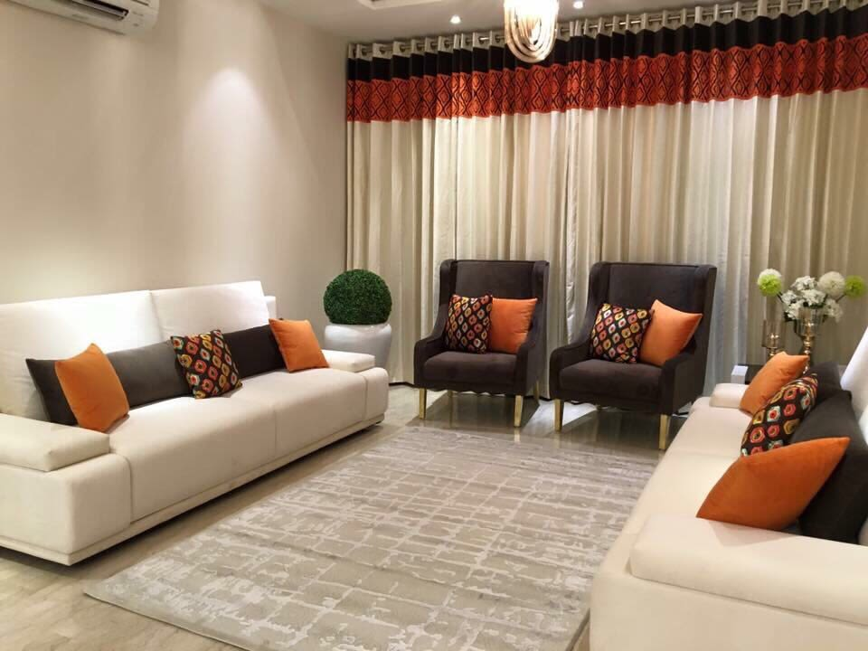 Plush living room decor by zoya Living-room Modern | Interior Design Photos & Ideas