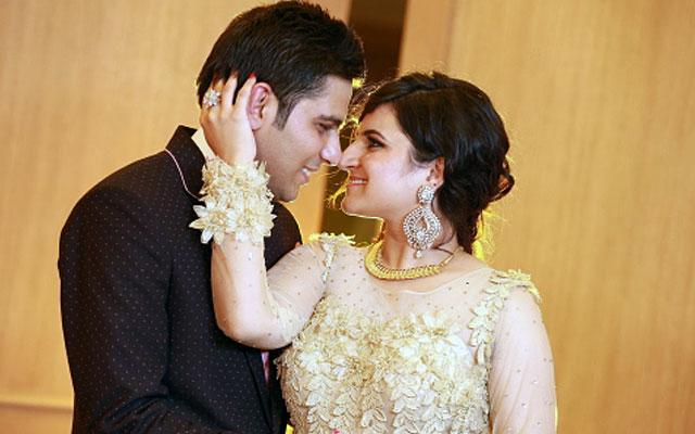 Elegant bride and groom during their wedding reception by VK Pro Clicks Wedding-photography | Weddings Photos & Ideas