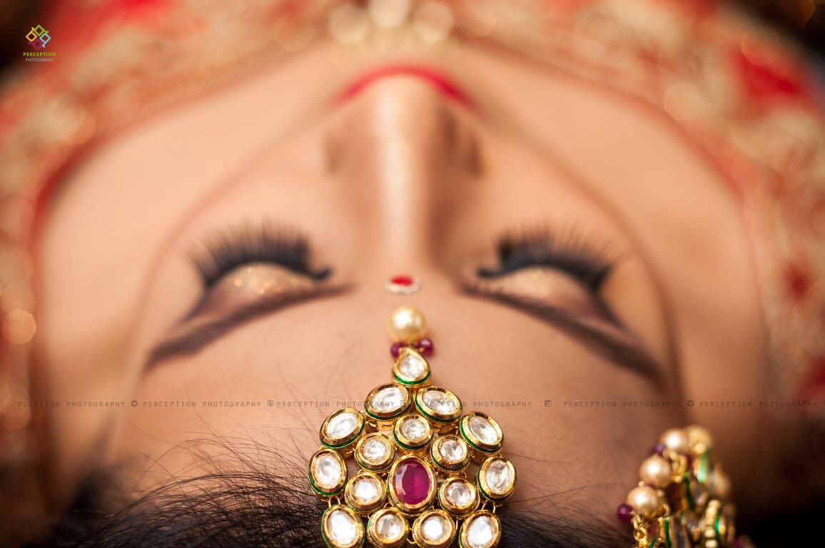 Polki Kundan Mangtikka For The Bride by Anuj Sharma Wedding-photography Bridal-jewellery-and-accessories | Weddings Photos & Ideas