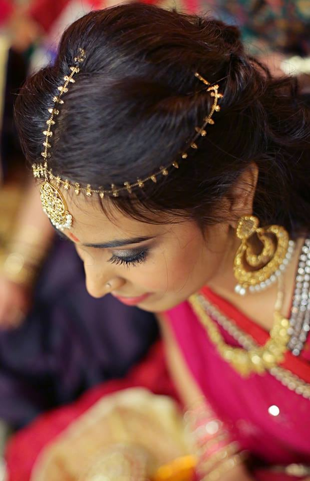 Simple Yet Elegant Gold Mang-Tikka by Paramjeet Singh Dhanjal Wedding-photography Bridal-jewellery-and-accessories | Weddings Photos & Ideas