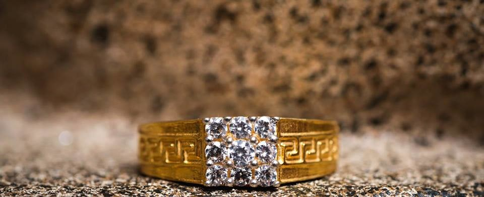 Groom's ring! by Memoirs by Paramjeet Singh Dhanjal Wedding-photography | Weddings Photos & Ideas