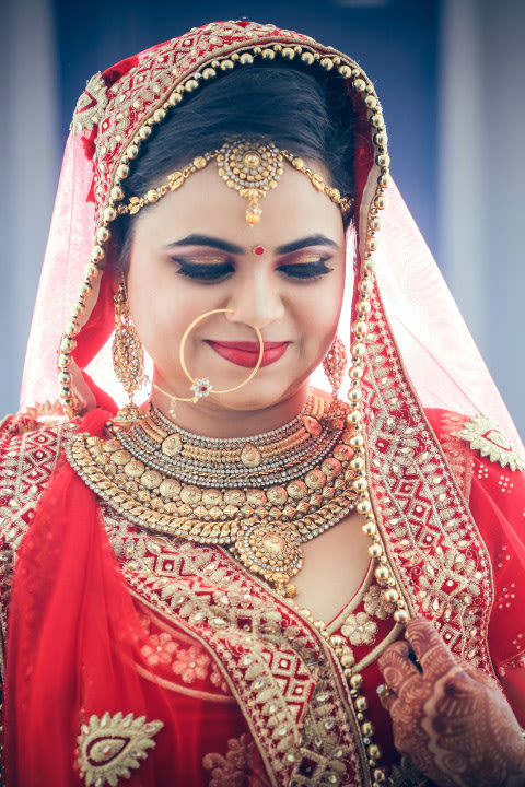 Amalgamation Of Indian Intricacy With Gold Work And Middle Eastern Elegance by Paramjeet Singh Dhanjal Wedding-photography Bridal-jewellery-and-accessories | Weddings Photos & Ideas