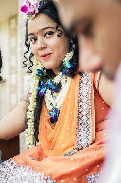Candid Shot Of Bride During Mehendi Cremony by Paramjeet Singh Dhanjal Wedding-photography   Weddings Photos & Ideas