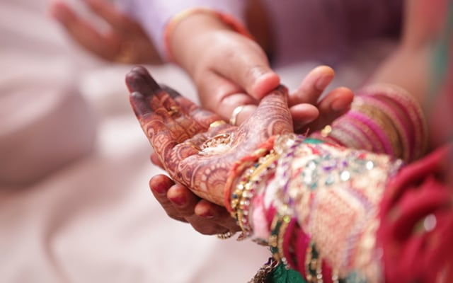 Heena hands! by Memoirs by Paramjeet Singh Dhanjal Wedding-photography | Weddings Photos & Ideas