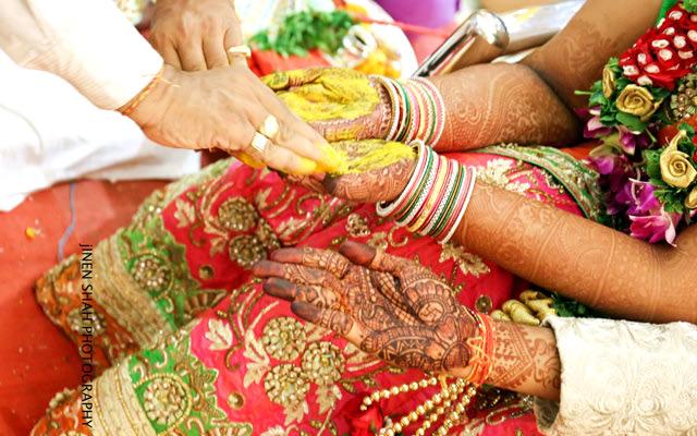 Beautiful mehendi design by Jinen Shah Photography Wedding-photography | Weddings Photos & Ideas