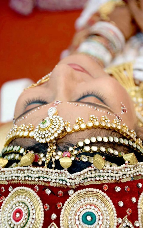 Beautiful maang tikka by Jinen Shah Photography Wedding-photography | Weddings Photos & Ideas