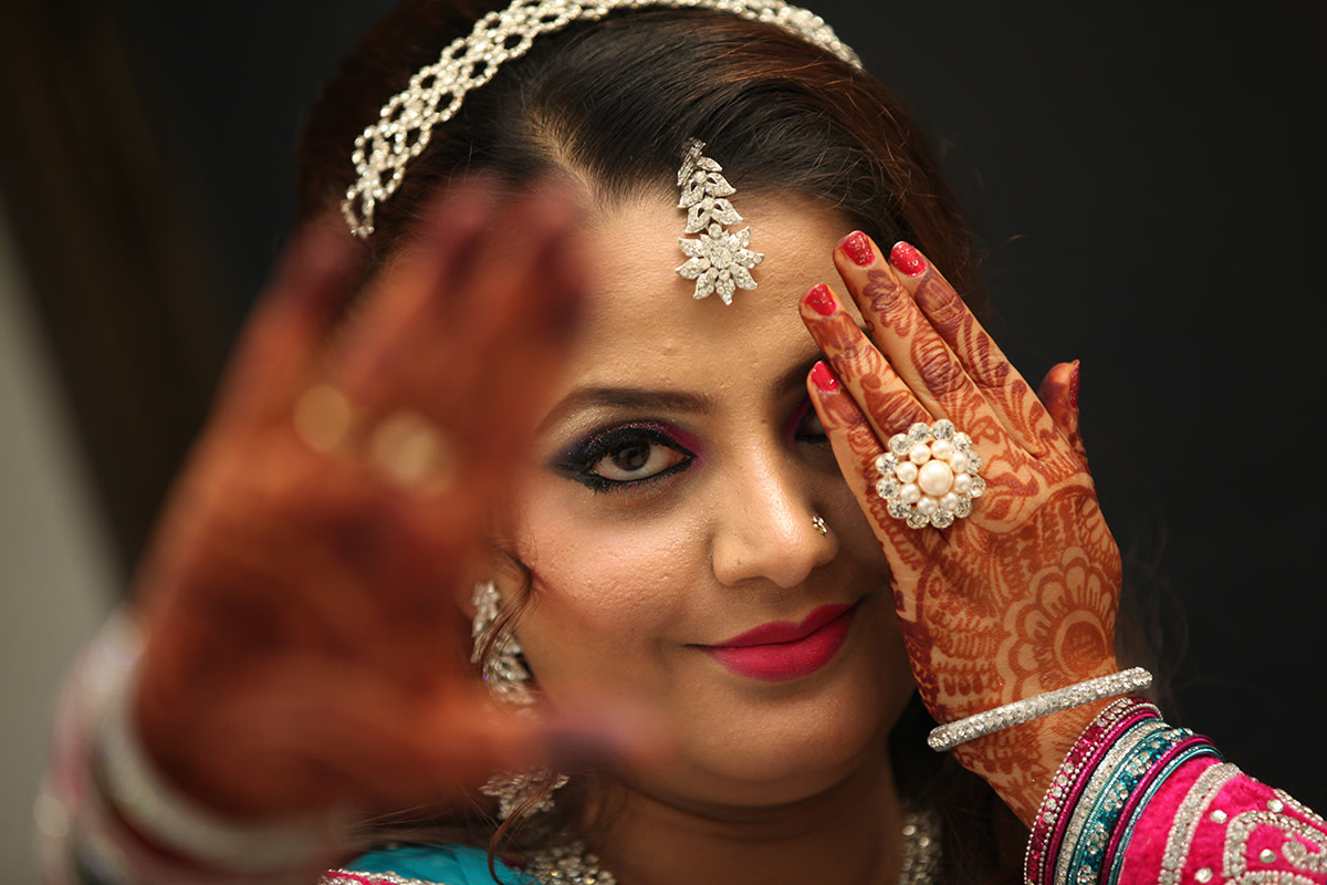 Bride wearing diamond jewellery! by Dhwani Digital Vision Photography Wedding-photography | Weddings Photos & Ideas