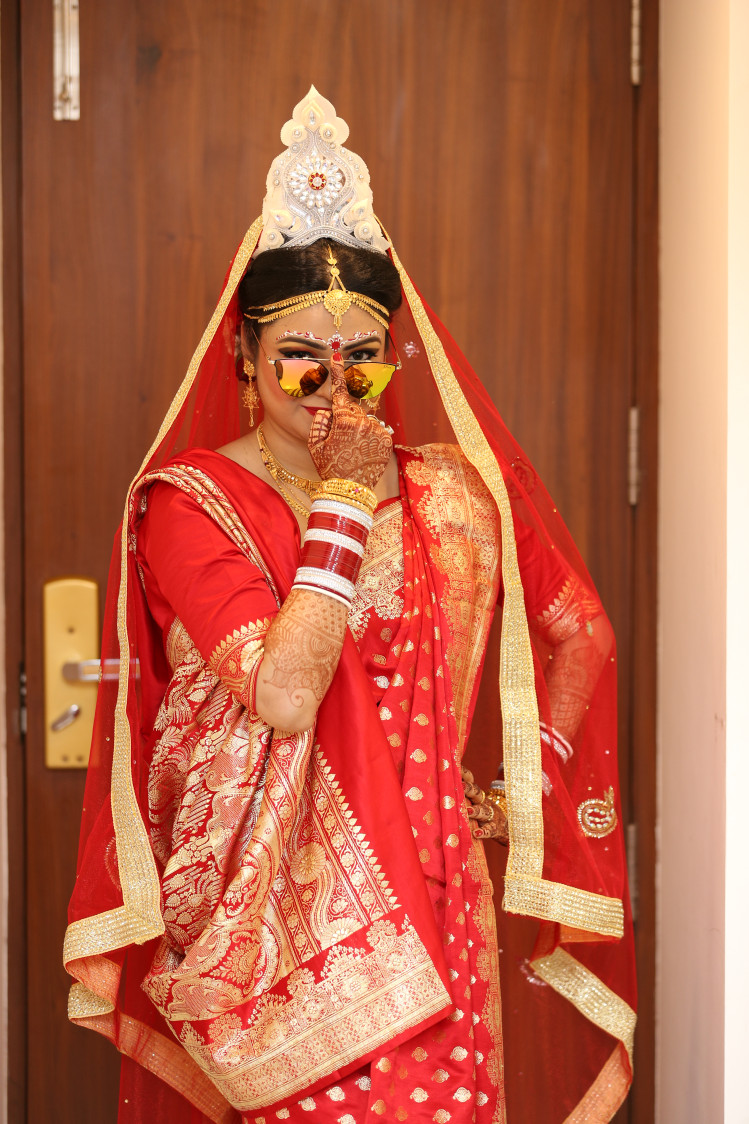 The quirky bride! by Dhwani Digital Vision Photography Wedding-photography | Weddings Photos & Ideas