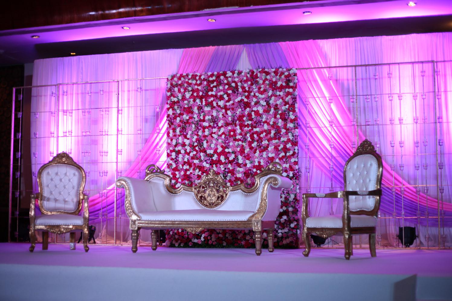 Beautiful Stage Decoration! by Dhwani Digital Vision Photography Wedding-photography | Weddings Photos & Ideas