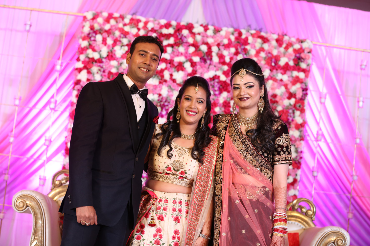 Couple with guest! by Dhwani Digital Vision Photography Wedding-photography | Weddings Photos & Ideas