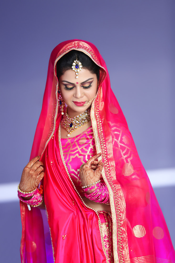 Stellar Bride Wearing Polki Kundan Set With Gemstones by Mukesh bijalwan  Wedding-photography Bridal-makeup Bridal-jewellery-and-accessories | Weddings Photos & Ideas