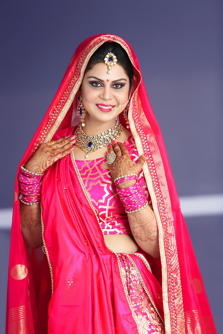Glowing Bride Wearing A Magenta Lehenga by Mukesh bijalwan  Wedding-photography Bridal-makeup Bridal-jewellery-and-accessories | Weddings Photos & Ideas