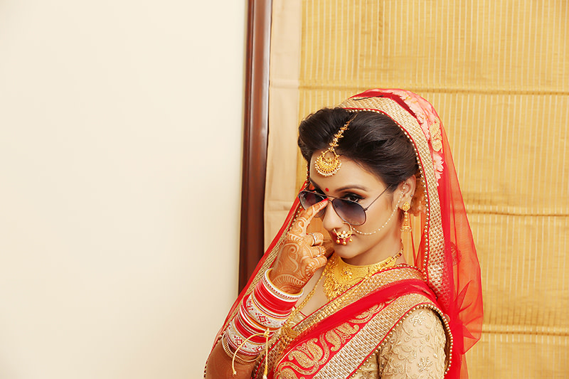 Stunning Bride on her Wedding Day Wearing Gold Bridal Jewellery by Mukesh bijalwan  Wedding-photography Bridal-jewellery-and-accessories | Weddings Photos & Ideas