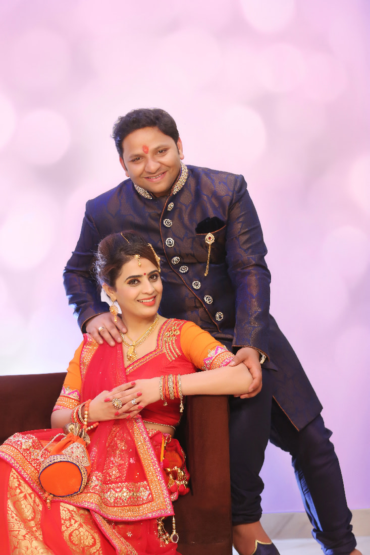 Stunning Couple Wearing Simple Outfits by Mukesh bijalwan  Wedding-photography Groom-wear-and-accessories | Weddings Photos & Ideas