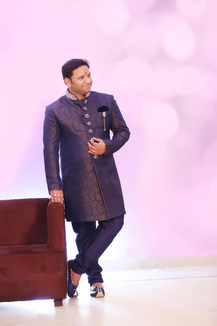 Dashing Groom Wearing A Purple Sherwani by Mukesh bijalwan  Wedding-photography Groom-wear-and-accessories   Weddings Photos & Ideas