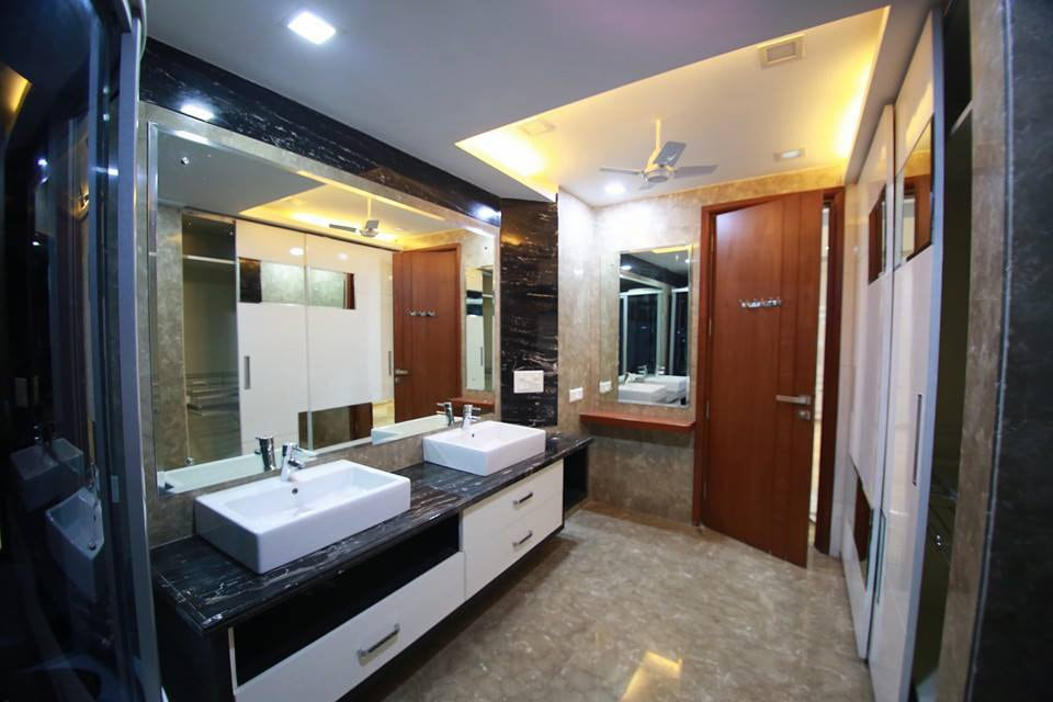 Bathroom With Pale Shade Washbasin And Silver Faucet by Damanjit Bajaj  Bathroom Modern | Interior Design Photos & Ideas