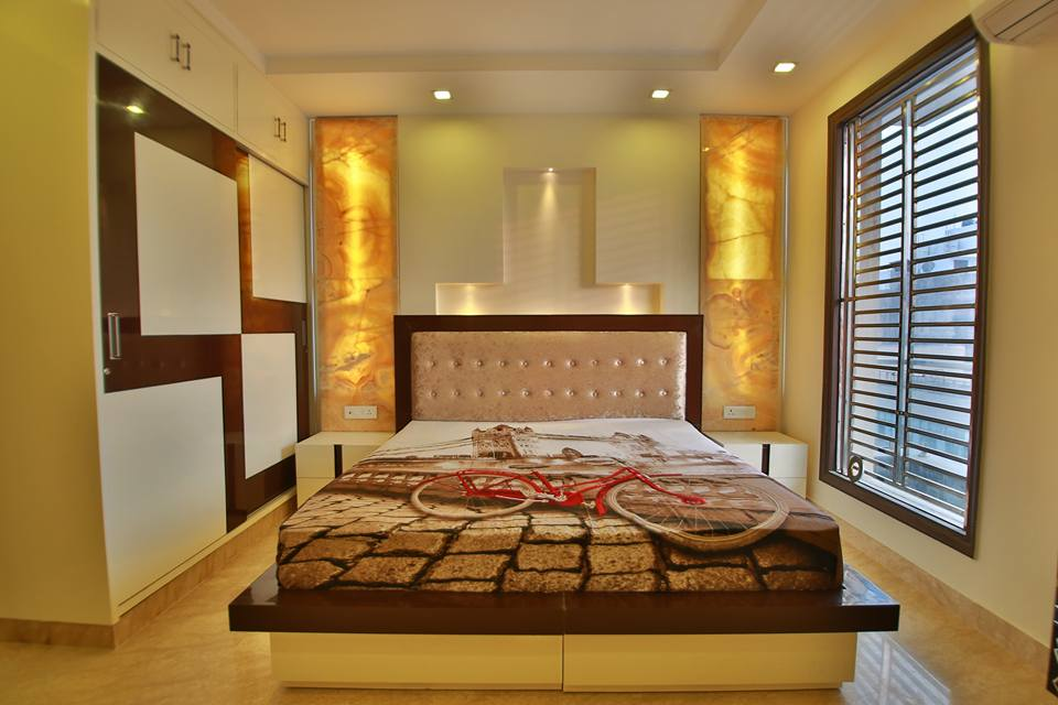 Wall Art And Limestone Flooring In Bedroom by Damanjit Bajaj  Bedroom Contemporary | Interior Design Photos & Ideas