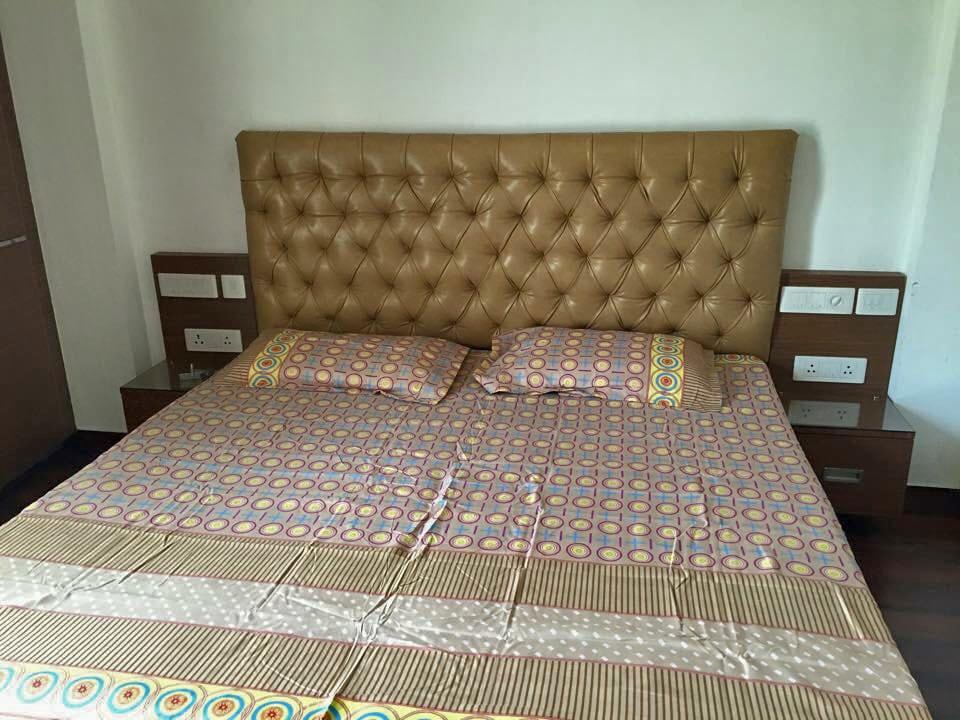 Simple Bedroom. by dei pvt. ltd. Bedroom Minimalistic   Interior Design Photos & Ideas