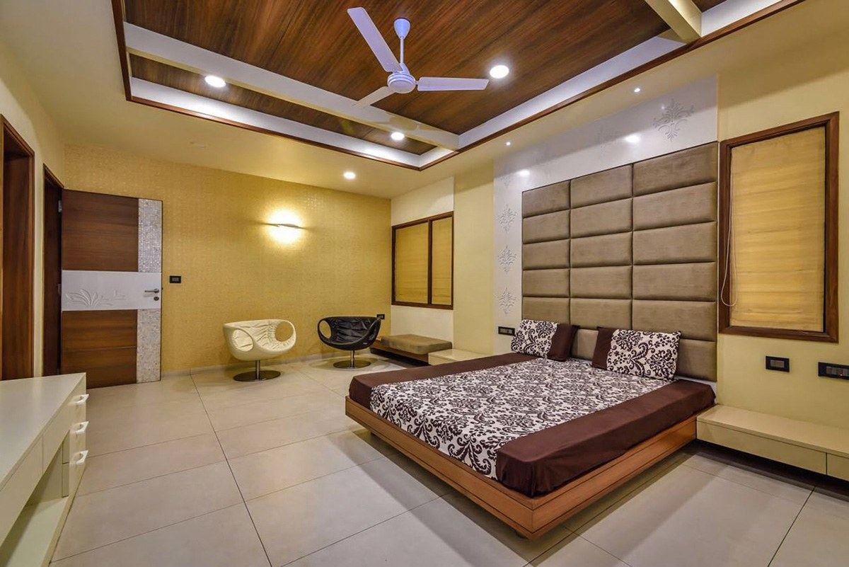 Contemporary Bedroom. by dei pvt. ltd. Bedroom Contemporary | Interior Design Photos & Ideas