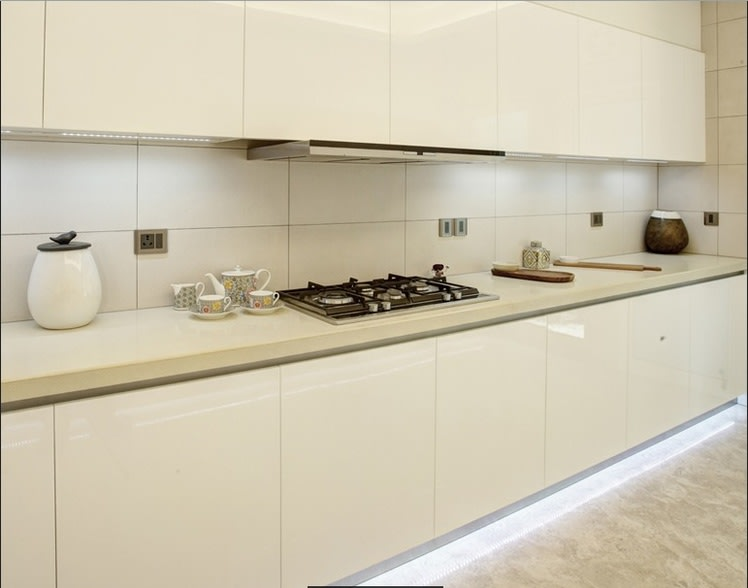 White modular kitchen by One leaf interiors& exteriors Modular-kitchen Contemporary | Interior Design Photos & Ideas