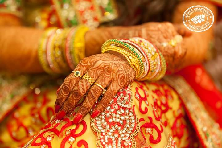 Beautiful mehendi of the bride! by Kumud Dhandharia Photography Wedding-photography | Weddings Photos & Ideas
