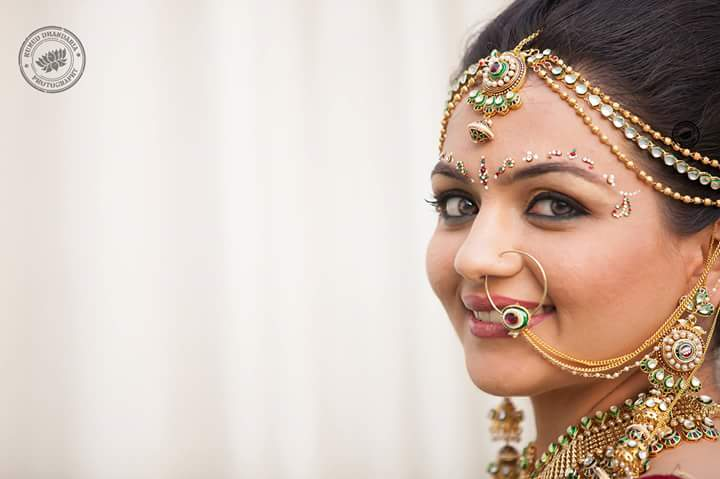 A stunning bride wearing beautiful jewellery! by Kumud Dhandharia Photography Wedding-photography | Weddings Photos & Ideas