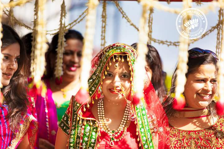 A grand entry of the bride! by Kumud Dhandharia Photography Wedding-photography | Weddings Photos & Ideas