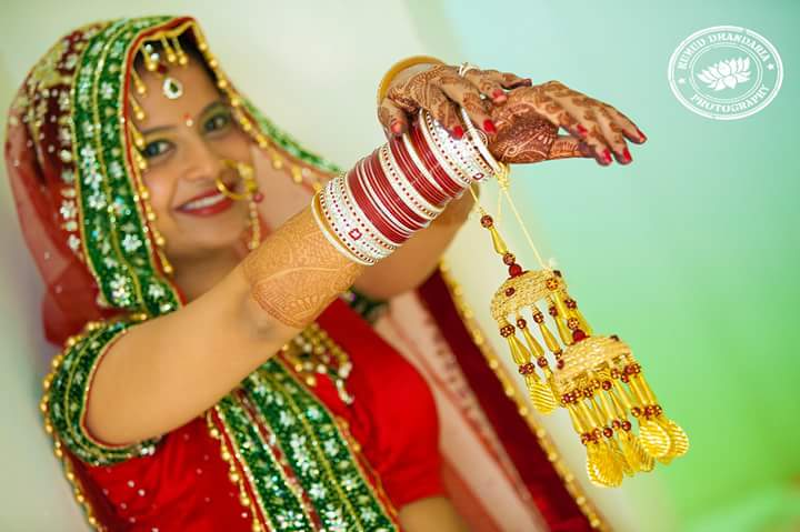 Beautiful kalira of the bride! by Kumud Dhandharia Photography Wedding-photography | Weddings Photos & Ideas