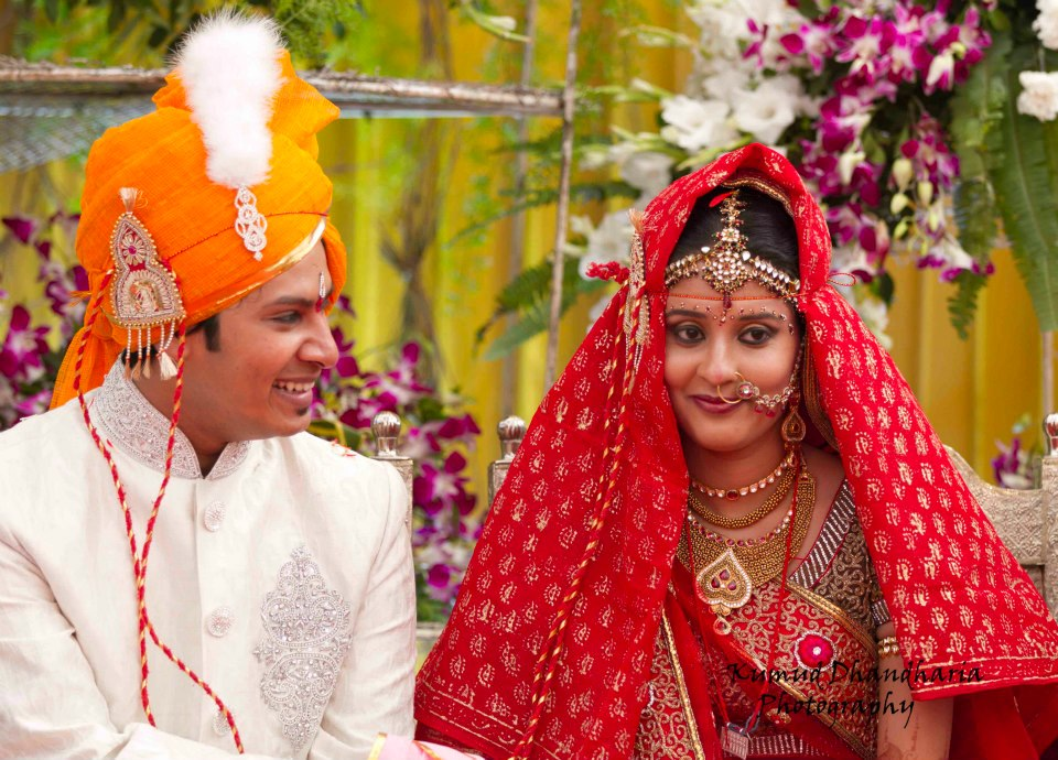 A rajasthani bride and groom! by Kumud Dhandharia Photography Wedding-photography | Weddings Photos & Ideas